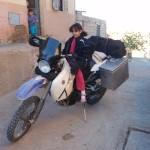 Posando en la moto